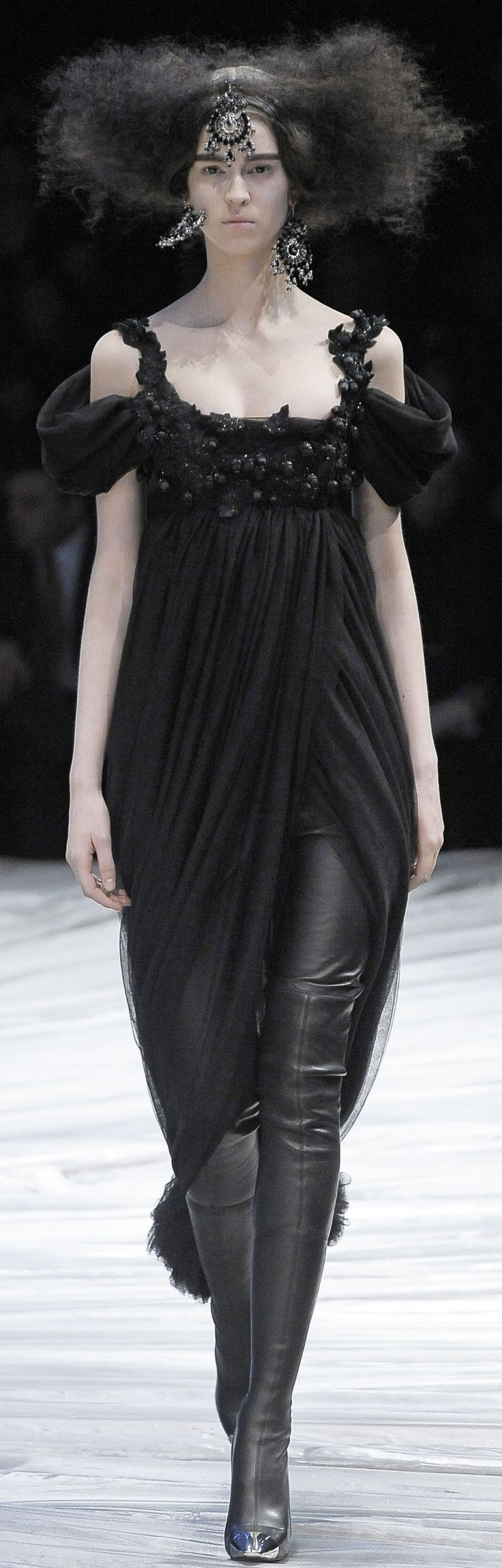 Alexander McQueen Ready To Wear Autumn 2008....also my hair in the morning.