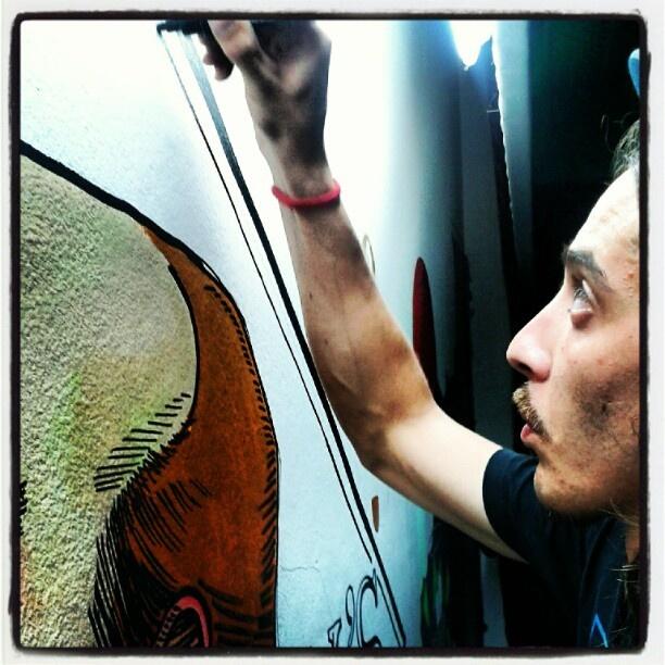 Sabio....is painting http://instagr.am/p/Llvvcrx8G6/