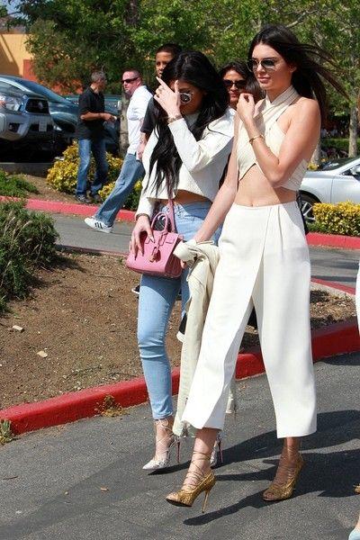 Kendall and Kylie Jenner Photos - The Kardashian-Jenner Family Celebrates Easter - Zimbio