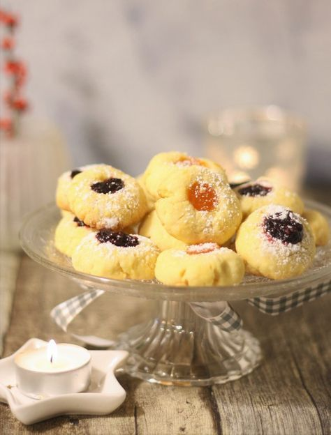 Rezept für Husarenkrapfen Engelsaugen Plätzchen mit Marmelade Weihnachtsplätzchen