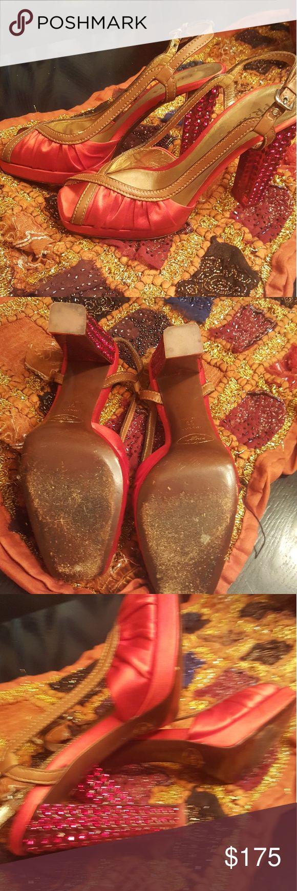 "👠 Prada Runway Fersen AUTHENTIC – 4.5 ""PRADA rot Satin Peep Toe High Heels. Ad …"