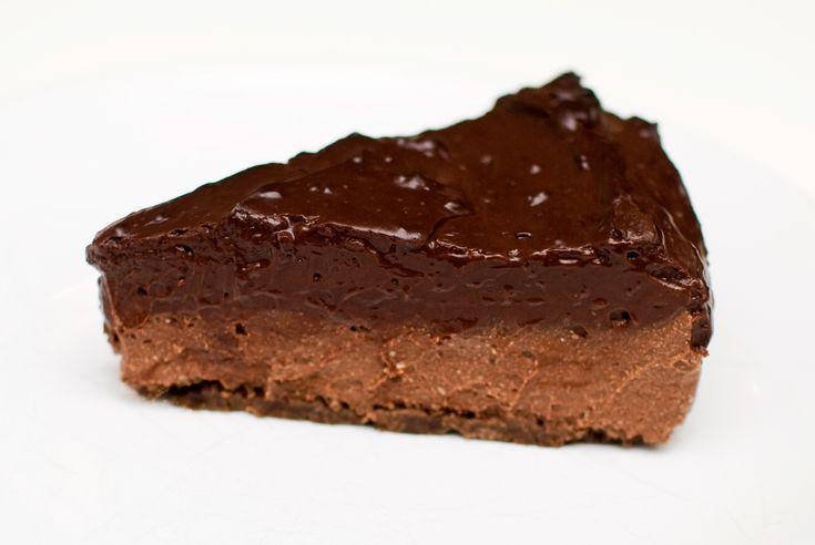 Kaken som har alt: Oreokjeks, sjokolademousse og sjokoladepudding! Å bake uten egg og melk er for meg den enkleste sak av verden. Det er slik at jeg ikke lenger har noen som helst forståelse for de...