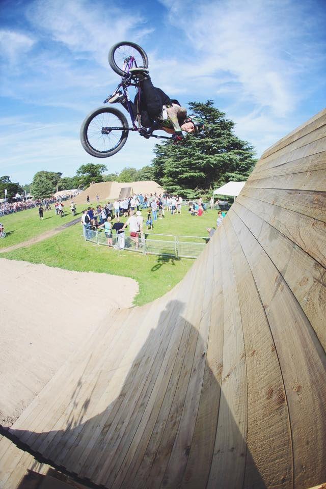 Park wizard Harry Main flat spin Hyper Bikes BMX