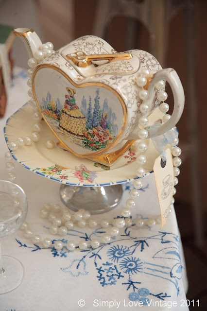 Vintage Crockery for all occasions