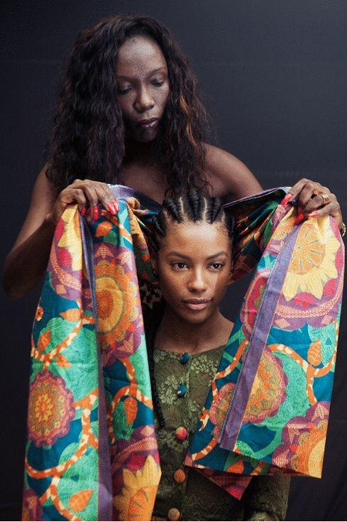 Nadir Tati, estilista angolana, e a modelo Sharam Diniz (Fotos: Patricia Araújo, maquiagem: André Veloso)