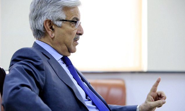 Pakistan's defence minister makes a nuclear threat against Israel