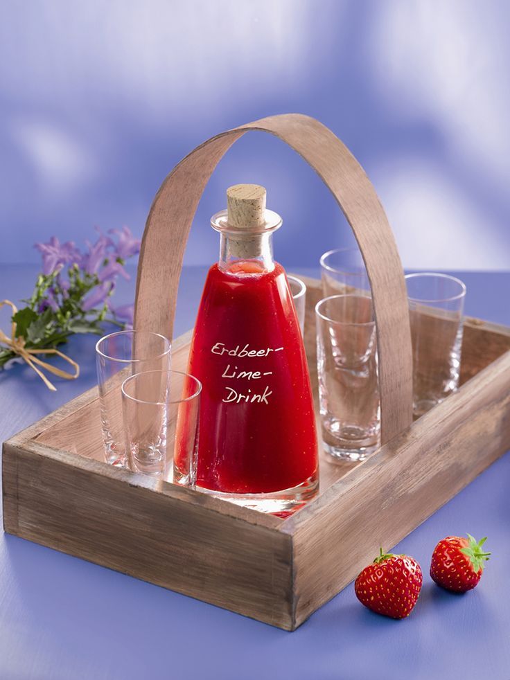 Erdbeer-Lime-Drink Ein erfrischend-fruchtiges Getränk mit Erdbeeren für den Sommer