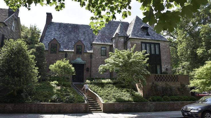 Obama post-White House home until Sasha graduates HS