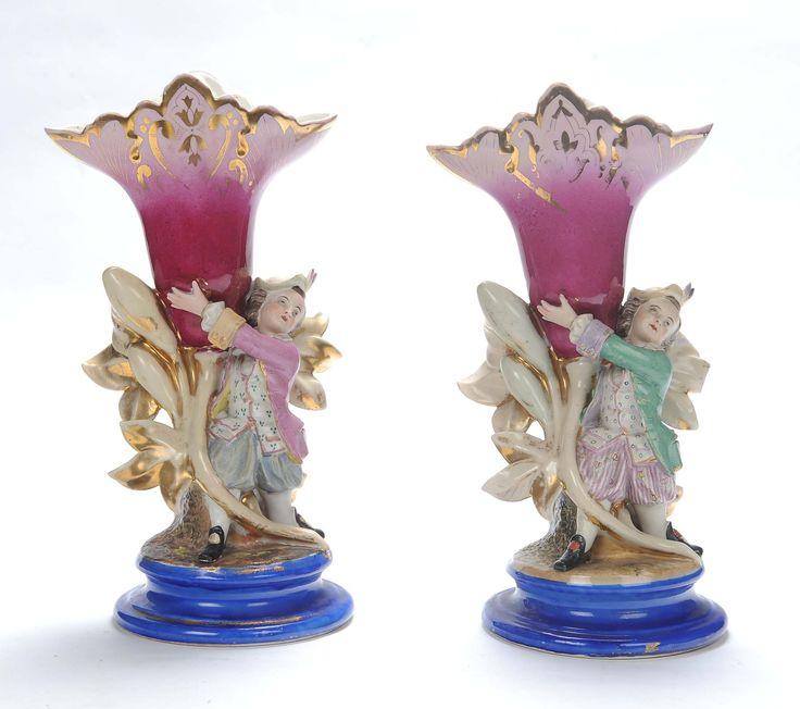 Coppia di vasi in porcellana vecchia Parigi, XIX secolo