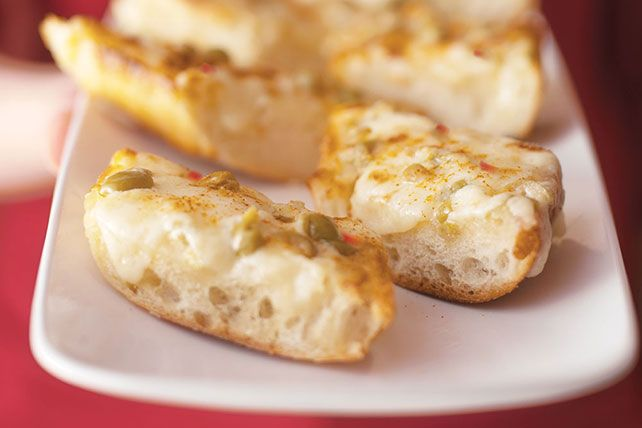 Cheesy Appetizer Loaf Six ingredients and one appetizer that is ridiculously easy, cheesy and all-out yummy.