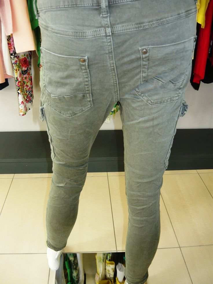 color your summer, red pants and green .. nuovi arrivi pantaloni verdi con tasconi laterali €42 pantaloni rossi €34 .... #spring #summer #collection 2015 .... #swagstoretimodellalavita #swagstore #swag .. #love #fashion and #selfie .... #sandonadipiave #jesolo #venezia