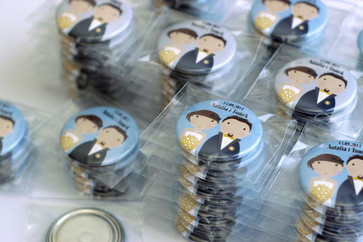 Oryginalne upominki dla gości weselnych: magnesy z Młodą Parą!  Dostępne w sklepie online Madame Allure.