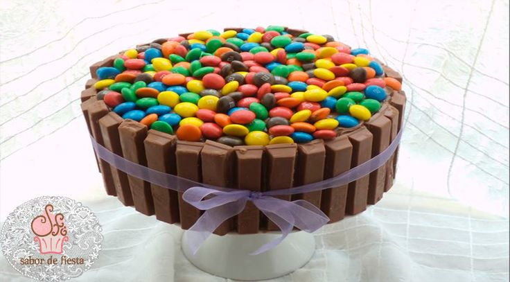 ✰ PASO A PASO TARTA DE KITKAT Y m&m / KITKAT tutorial CAKE AND m & m