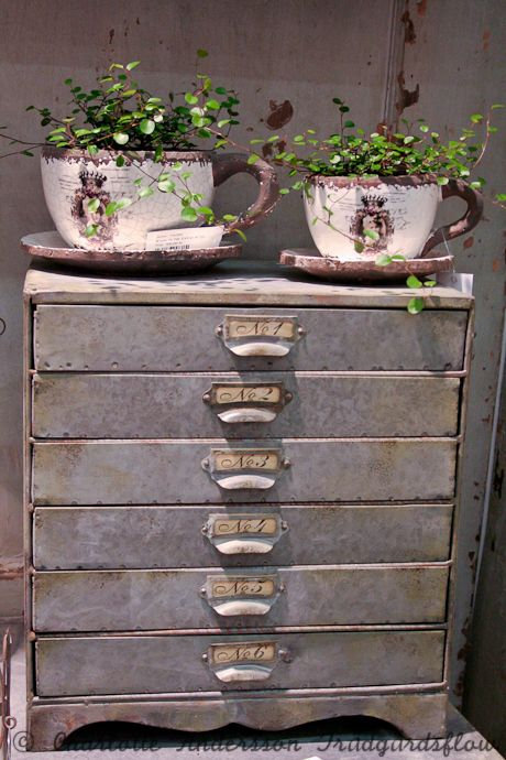 love these old metal drawers they would make great paper storage#Repin By:Pinterest++ for iPad#