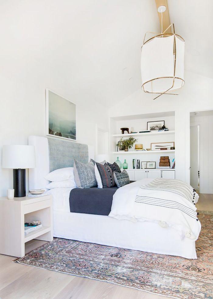 16 Small Master Bedroom Ideas That Prove Bigger Isn T Necessarily Better Small Master Bedroom Master Bedrooms Decor Master Bedroom Layout