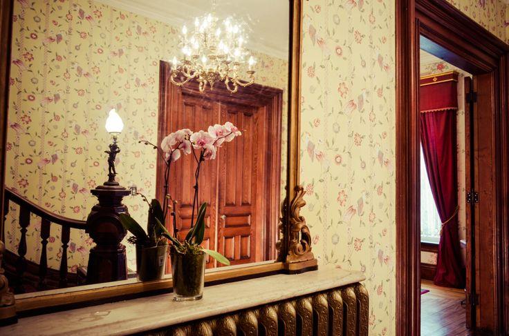 Main Entrance, Queen Anne Inn-Annapolis Royal.