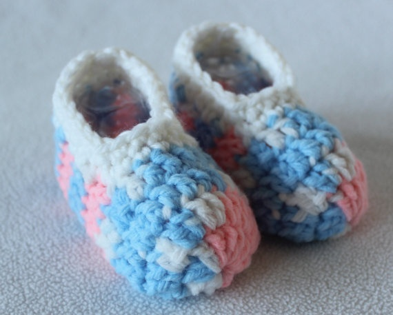Pink Blue and White Slipper Socks for Infant.  Perfect for a Gender Reveal Party gift or when you need a gender neutral gift.  Warm and cozy slipper socks will keep baby's feet comfy.