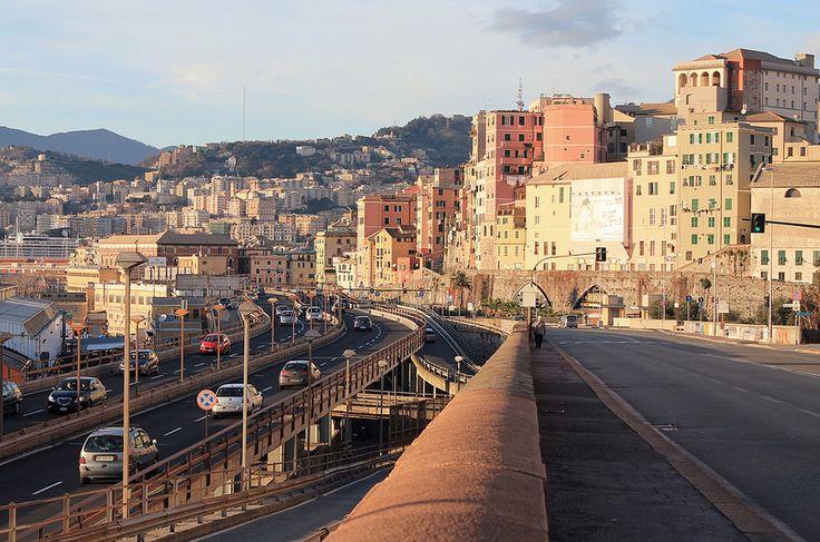 Genova C.so Aurelio Saffi (circonvallazione a mare) e Strada Sopraelevata (Via Aldo Moro)
