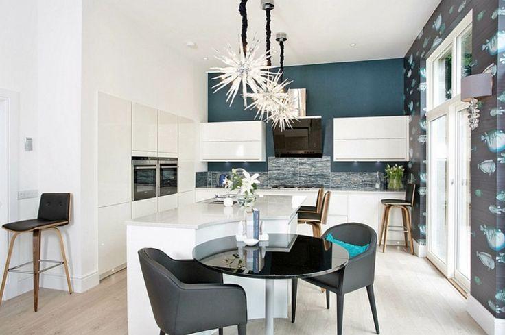 cuisine moderne en blanc et bleu
