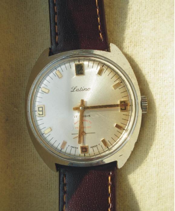 05cca64df1b Relógio mecânico marca Latino Areeiro • OLX Portugal