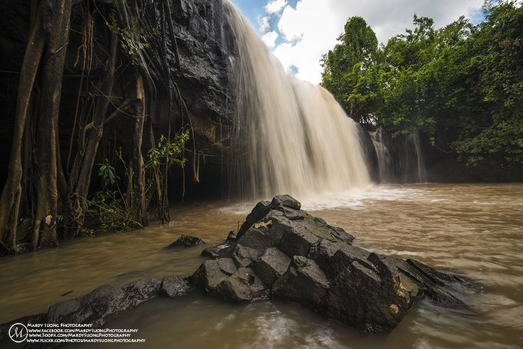 Horng Waterfall !  There was a great spot which is the only one of waterfall in Thboung Khmom province during my 4th trips of Cambodia Photography Tours to Kampong Cham and Thbuong Khmom province.  Photo by: Mardy Suong Photography Date: 27th October, 2014. Place of photo: Thboung Khmom province, Kingdom of Cambodia. YouTube: https://www.youtube.com/watch?v=FBWDvFnIPuc Website: www.500px.com/Mardy Flickr: http://www.flickr.com/photos/mardysuongphotography  My name is Mardy SUONG, I am from…