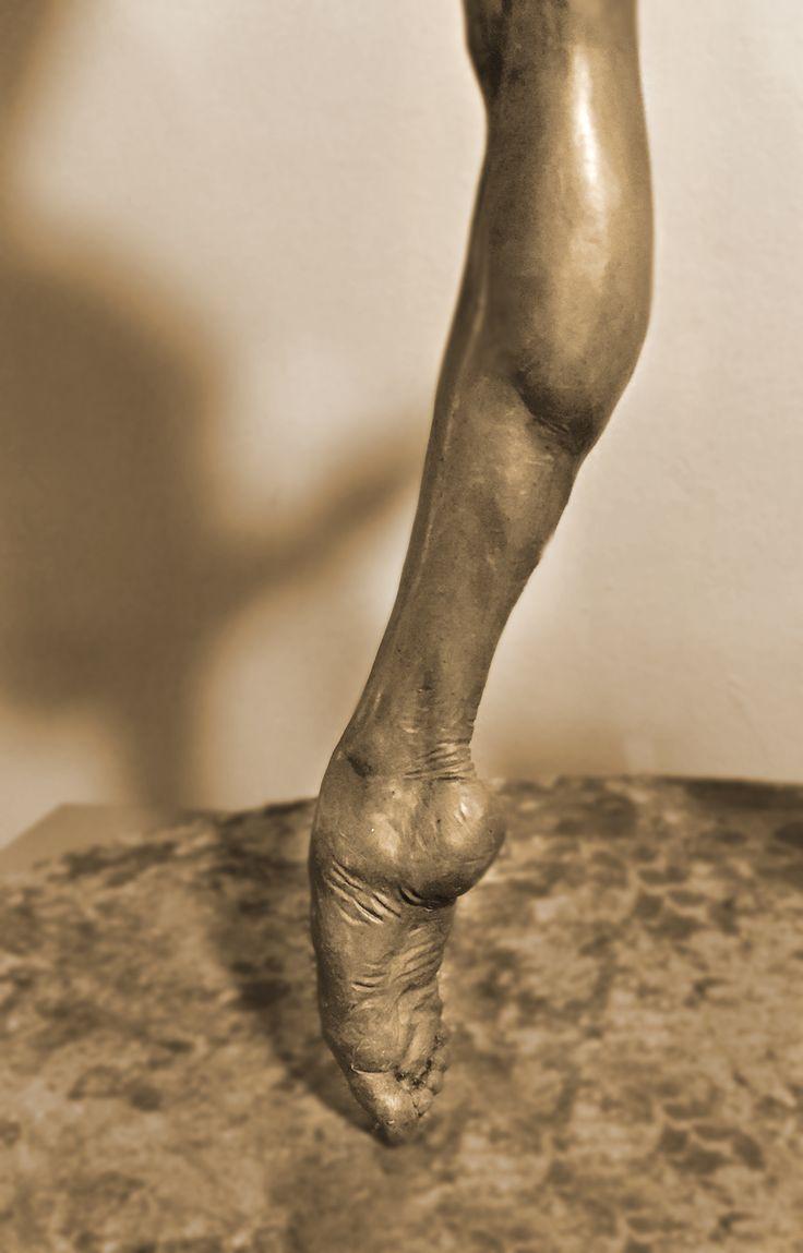 Dancer sculpture by James Cook