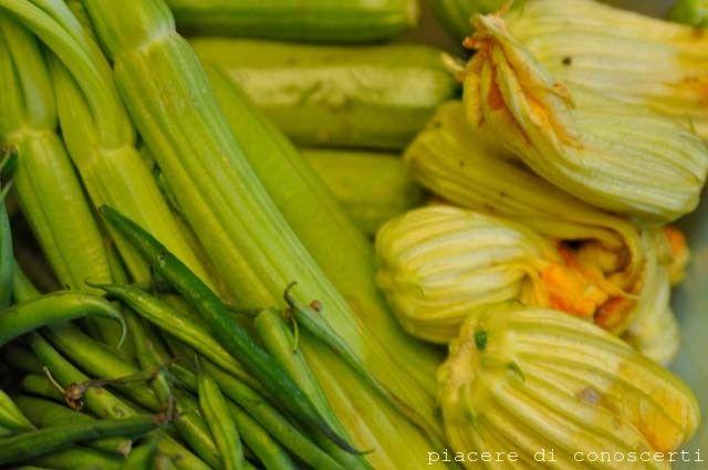 L'estate è così ricca di verdura che è davvero un peccato non sfruttarla anche l'inverno e allora ecco come faccio io per congelare i prodotti del mio orto estivo!