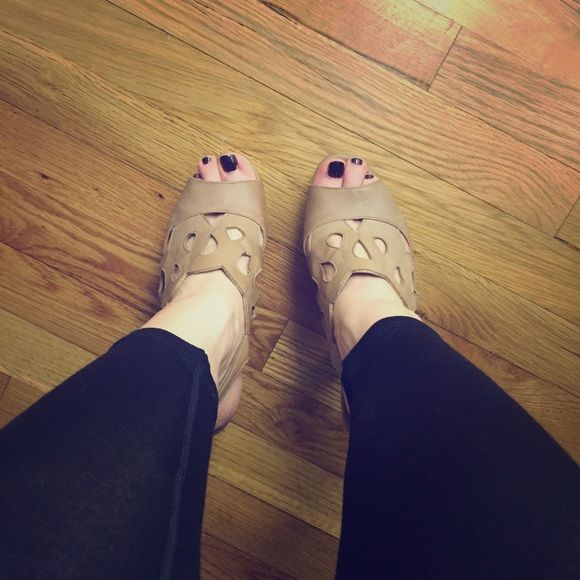 Beige heeled sandals In good condition! Not Steve Madden, the brand is pink & pepper - I got them at DSW a couple years ago, only worn a few times. 5 in. heel for us short girls :) Steve Madden Shoes Heels