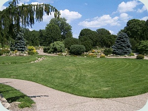 Outdoor Gardens in St Paul and Minneapolis, MN as Wedding Sites
