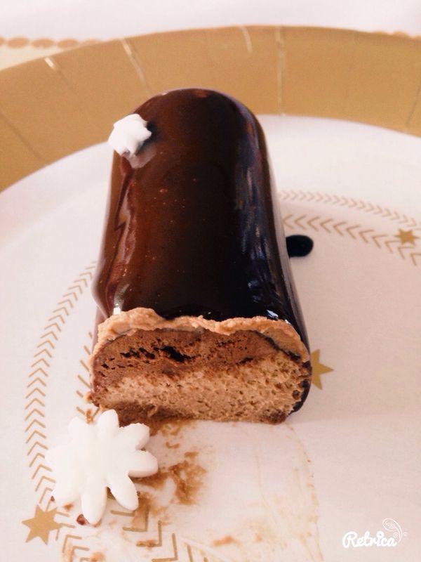 Mini buches trois chocolats Valrhona                                                                                                                                                                                 Plus