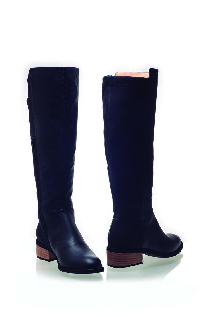 Botas Andrea Cuero-Lycra Negro de K'hantu Zapatos de Diseño. Peruvian shoes.