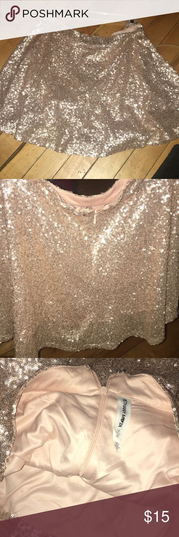 sparkly skirt sequin high waisted skater skirt with a zipper for closure very nice Quality with a silk inside Aeropostale Skirts Circle & Skater