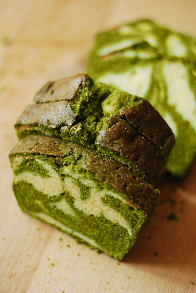 Japanese Matcha Tea Pound Cake (scroll to the bottom for English)