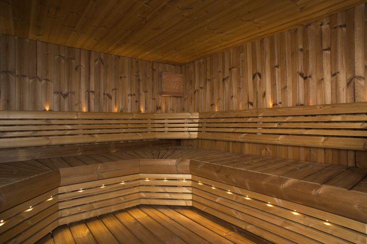 Lämpöpuun verraton ominaisuus on sen alentunut lämmönjohtavuus. Ominaisuuden ansiosta lämpöpuusta valmistetut lauteet eivät tunnu polttavilta kuumassa saunassa ja sisätilojen lämpöpuiset lattiapinnat eivät tunnu paljaan jalan alla viileältä. - One of thermowoods best features is its reduced thermal conductivity, which means that sauna benches don't feel burning in hot sauna and floor doesn't feel so cold under bare feet.