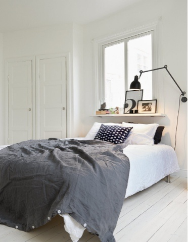Scandi Decoration-simple,black and white and this lamp!