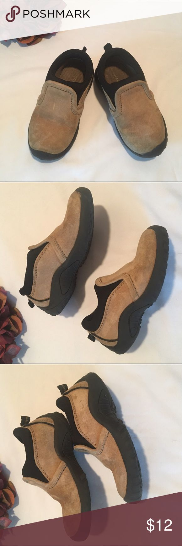 Sperry Topsider Port slipons Toddlers Sperry Topsiders Port suede leather slipons, size 9W. Leather is in good condition, mild normal wear to uppers and soles, lots of life in them! Comes from smoke free home! Sperry Top-Sider Shoes Slippers