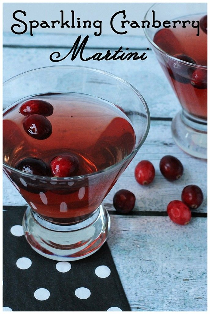 Oh YUM! This sparkling cranberry martini looks perfect for Christmas Eve dinner parties......I can't wait to try this cocktail!