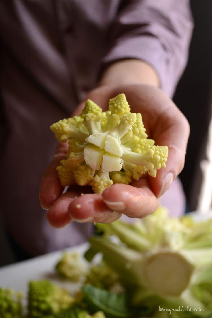 roman broccolo and cockles pasta recipe/ ricetta orecchiette broccolo romanesco e vongole