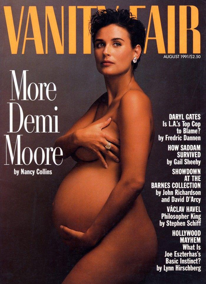 Una storica copertina di Vanity Fair con Demi Moore incinta del primo figlio. Questa copertina a suo tempo ha fatto parlare di sé in tutto il mondo.
