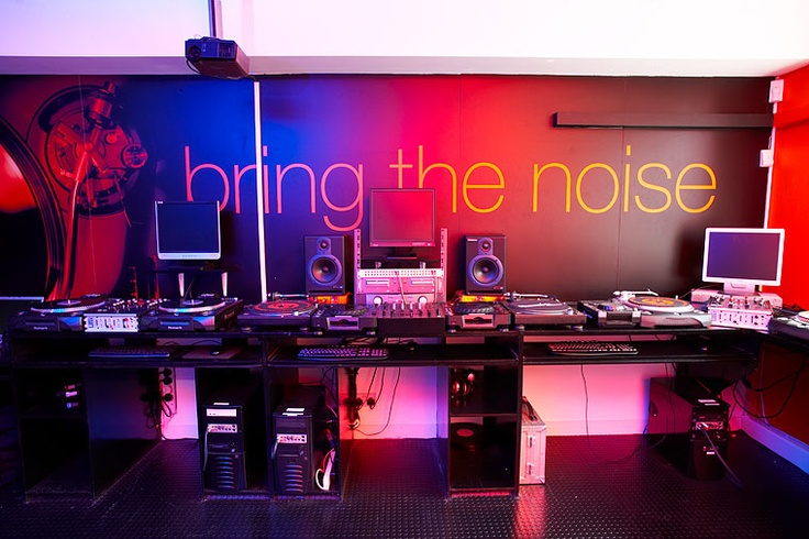 Fine Dj And Music Production Room At Point Blank Music Production Largest Home Design Picture Inspirations Pitcheantrous