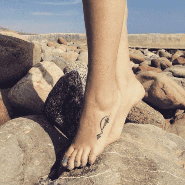 traditionelles Fußtattoo #Foottattoos