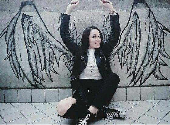 More looks by Viktoria Bivol: http://lb.nu/bivolvika  #streetstyle #style #outfit #drawing #wings