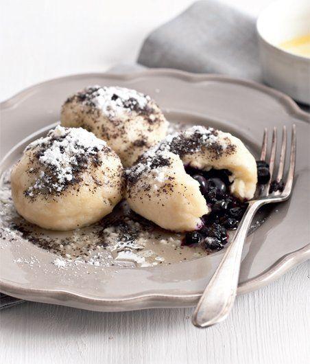 Nejjednodušší (a nejlepší) ovocné knedlíky - Slovakian sweet plum dumplings.