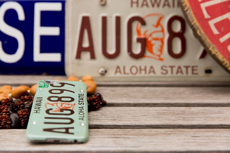 ALP-Hawaii ハワイのナンバープレートデザイン。実際のナンバープレートをケースに落とし込んだこちらはデザイナーのこだわりが詰まっています。