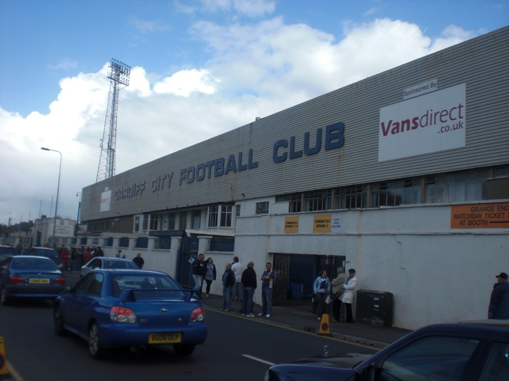 Ninian Park. Home to Cardiff City Football Club for 99 years. A much loved and missed entity full of beautiful memories of me and my Dad.