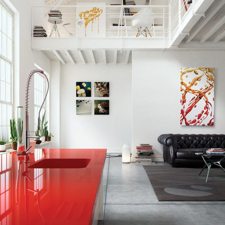 Red kitchen worktop in Silestone®, Cosentino