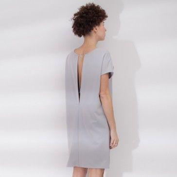 V dress /grey/  | Nie zwlekaj i sprawdź! | SHOWROOM - SHWRM.pl
