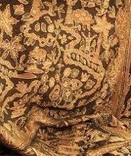 Batik Tanah Liek (tanah liat) dari Minangkabau. Dinamakan batik tanah liat karena batik ini menggunakan tanah liat dalam proses pewarnaannya, digunakan untuk acara-acara adat dan dipakai oleh para pemuka adat saja