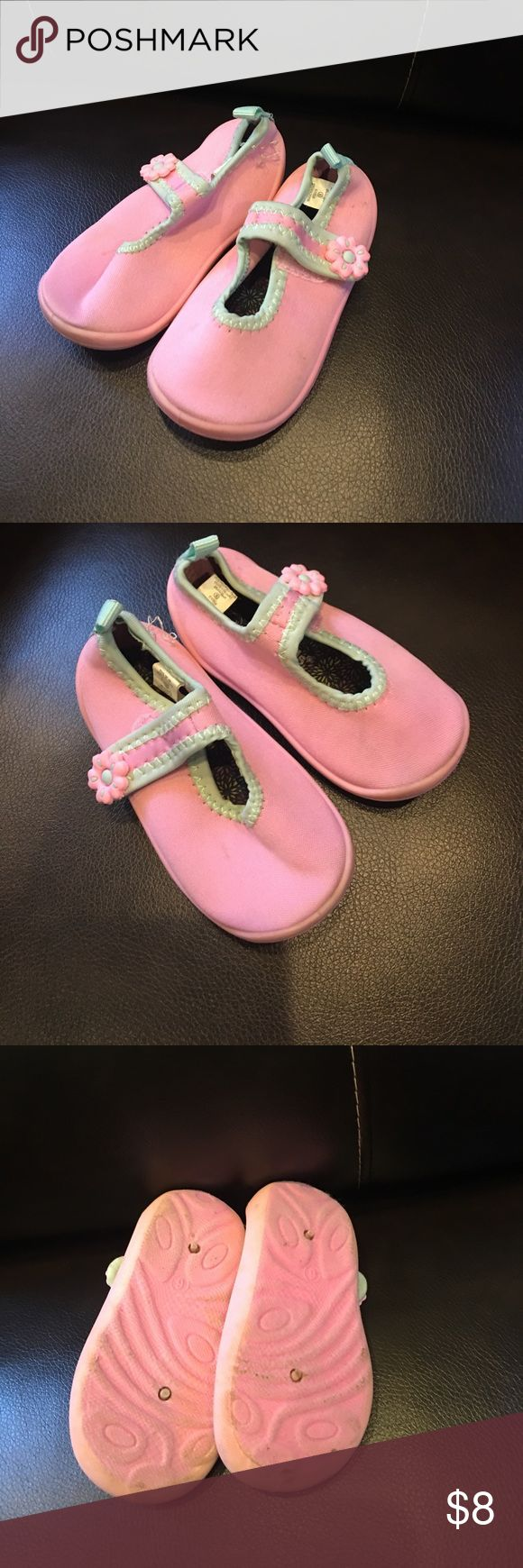 Size 6 toddler girls water shoes Size 6 toddler girls water shoes. Slightly worn. True to size. Shoes Water Shoes