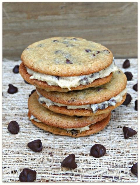 chocolate chip cookie dough sandwich cookies: Cookies Dough, Chocolate Chips, Chips Cookies, Chocolates Chips, Sandwiches Cookies, Cookie Dough, Chocolate Chip Cookie, Sandwich Cookies, Dough Sandwiches